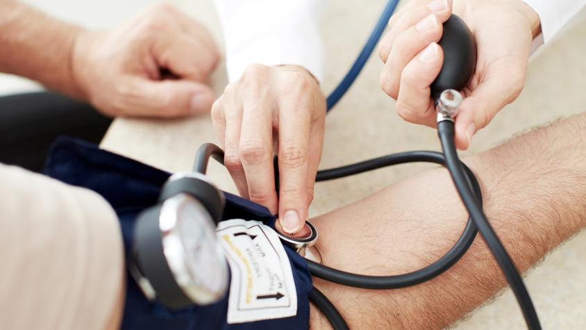a magas vérnyomás elleni masszázs feladata mit kell bevenni a vese hipertónia esetén