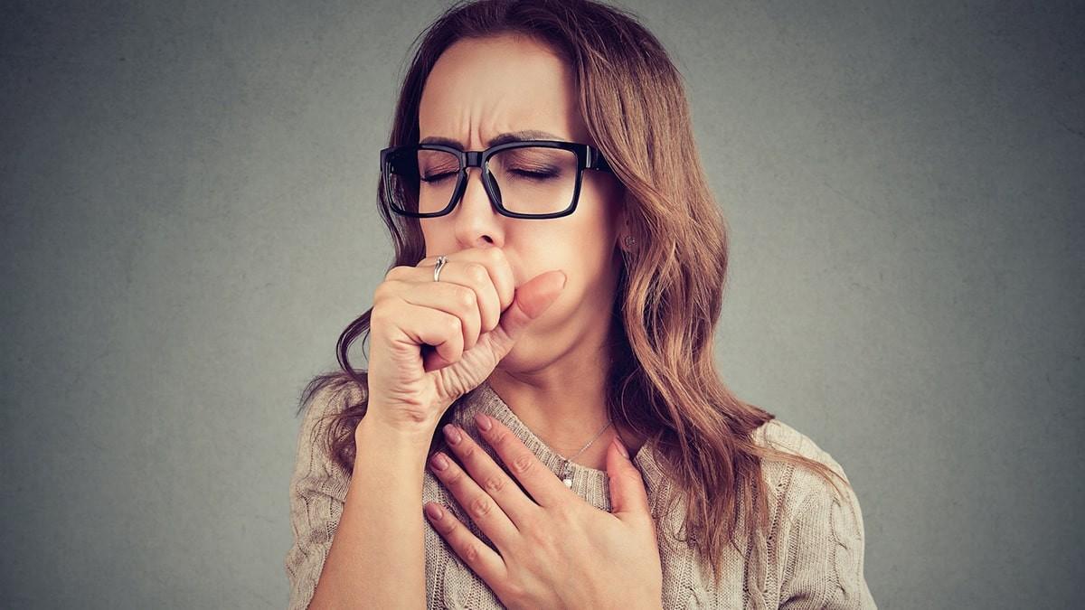 hogyan kell kezelni a magas vérnyomású köhögést)