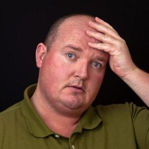 egy férfi 45 év után magas vérnyomásban szenved