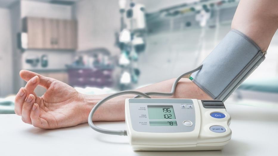hogyan kezelik a magas vérnyomást külföldön)
