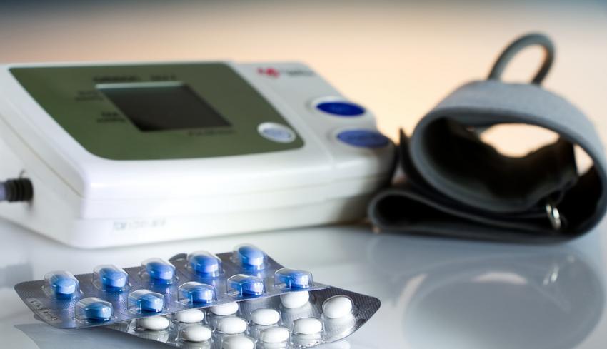 Magas vérnyomás kezelésére szolgáló készülék