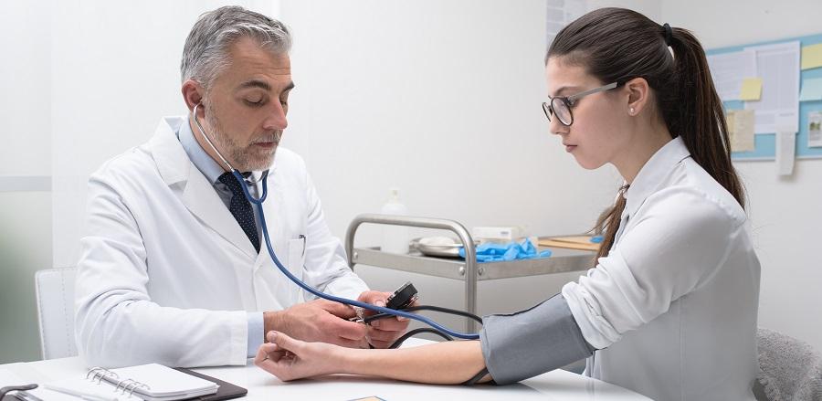 magas vérnyomás orvosi ellátás)
