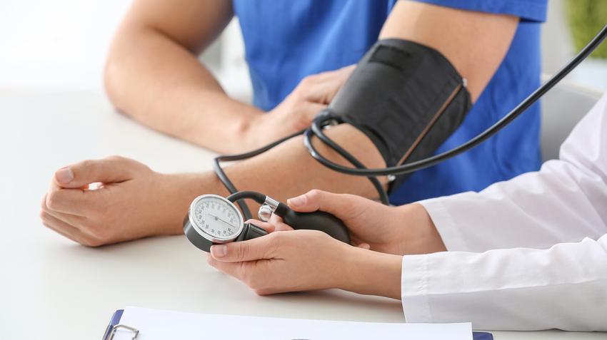 magas vérnyomás és krízismasszázs esetén