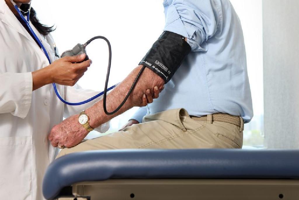 magas vérnyomás kezelés gyakorlása)