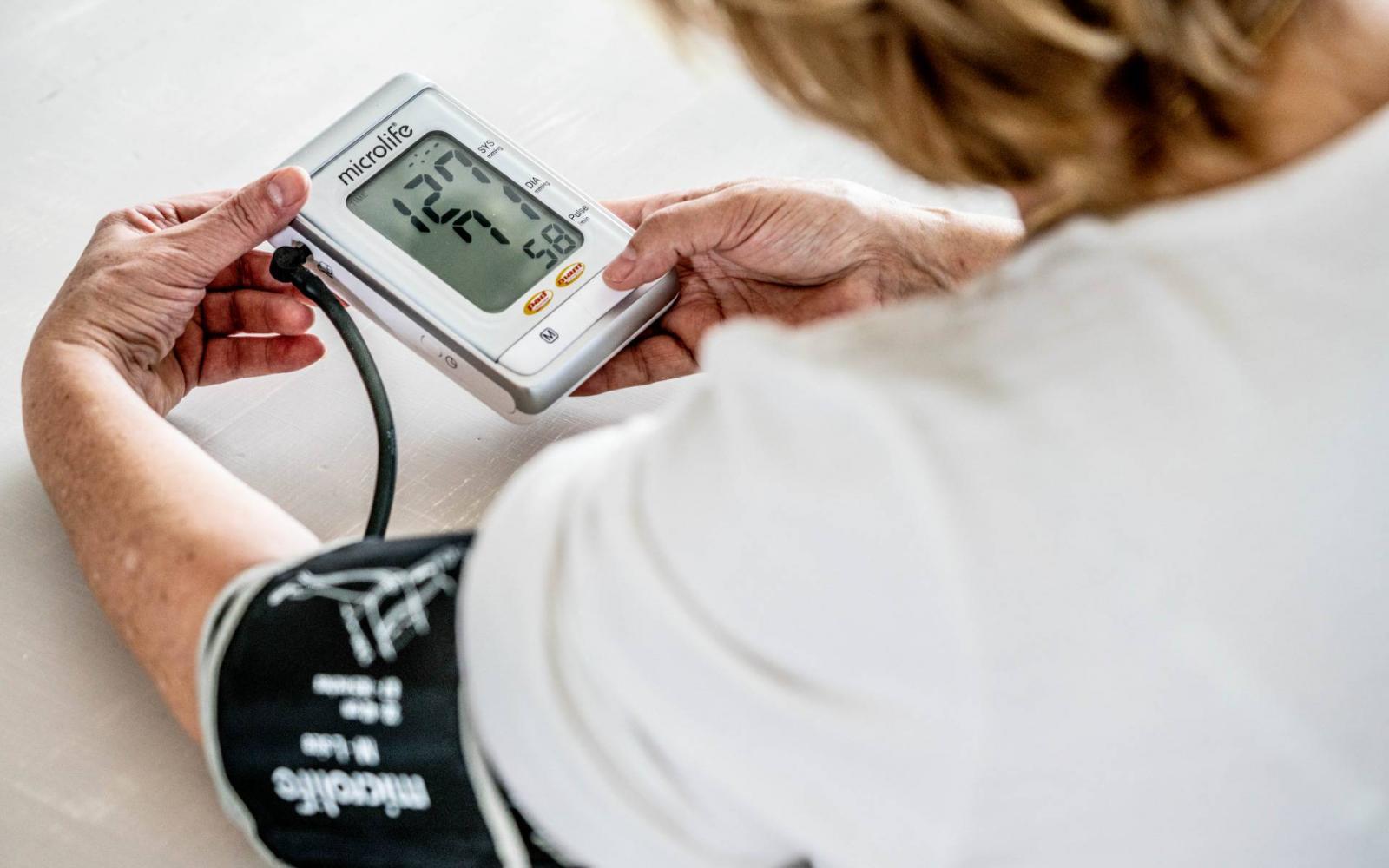 a magas vérnyomás hatása az agyra