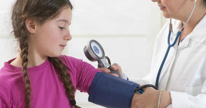 Magas vérnyomás gyerekkorban – ezek a veszélyei