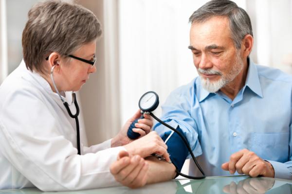 mindent amit tudnia kell a magas vérnyomásról)