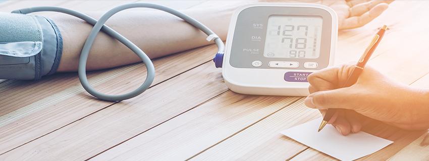 a magas vérnyomás gyantával történő kezelése
