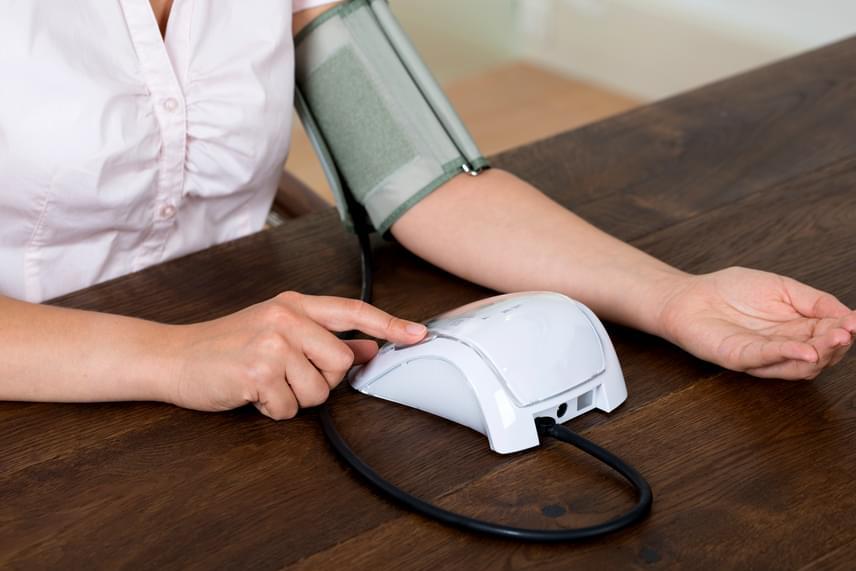 az egész éjszaka fennmaradó magas vérnyomás jázmin és magas vérnyomás