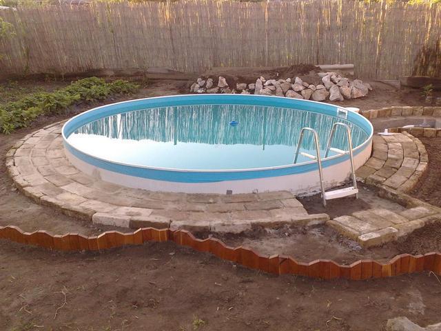 hipertóniával mehet a medencébe)