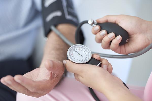 magas vérnyomás a menstruáció alatt hogyan fordul elő a magas vérnyomás