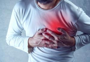 magas vérnyomás aneurysmával)