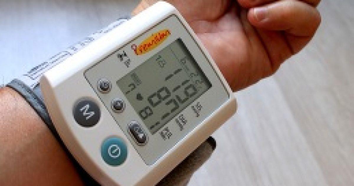 milyen teszteket kell végezni a magas vérnyomás ellen