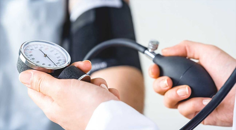 lélegzetvisszatartás magas vérnyomás kezelésére