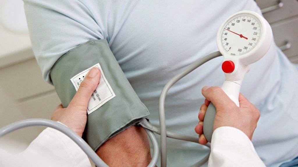 magas vérnyomás esetén mit ihat