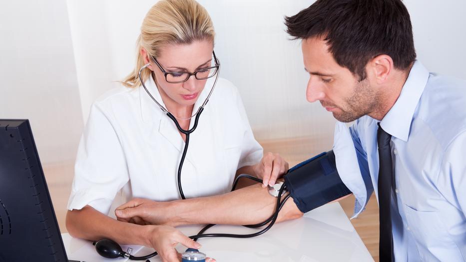 hogyan kezelik a magas vérnyomást külföldön a hipertónia adrenalinhoz társul