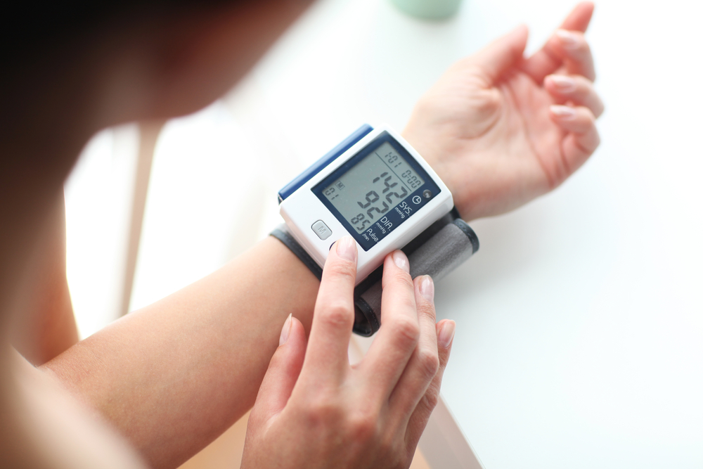 a magas vérnyomás első rohamai