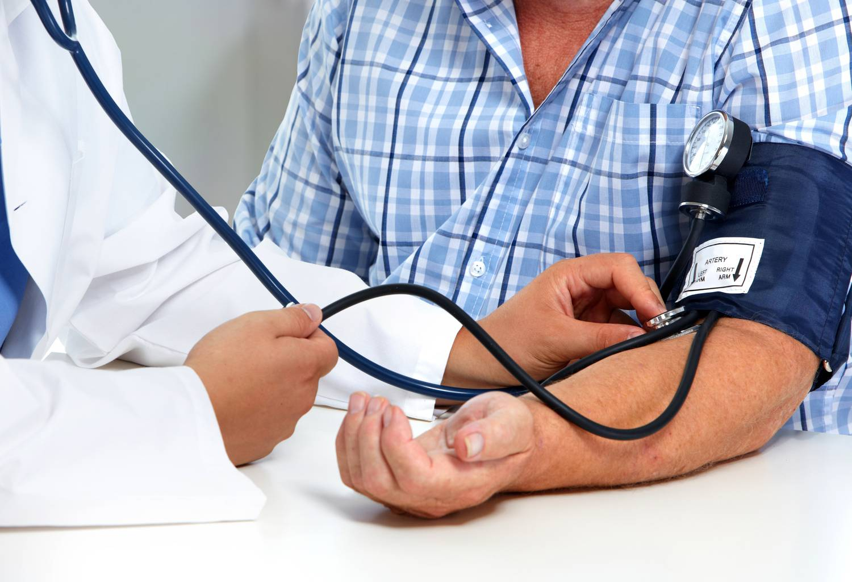 mi történik a magas vérnyomású testtel