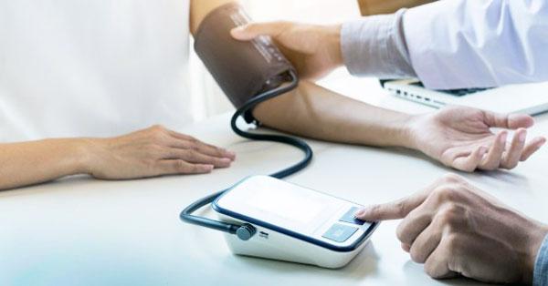 magas vérnyomás és magas vérnyomás különbségek milyen szakaszokban